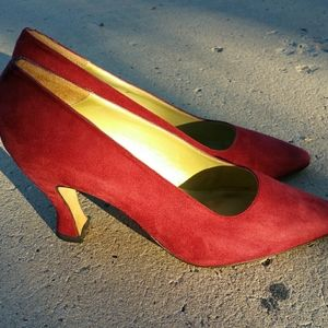 Red suede Kenneth Cole classic pointed-toe pumps